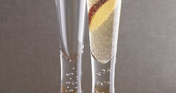 Crate & Barrel Verve Champagne Glass 02