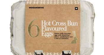 Woolworths Hot Cross Bun Flavoured Egg 200g
