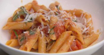 Marco Pierre White Penne with Fresh Tomato Sauce